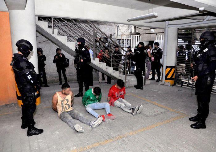 departamentos detenidos Azcapotzalco