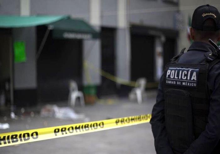 policía escena crimen