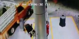 Atropellan despachador gasolina