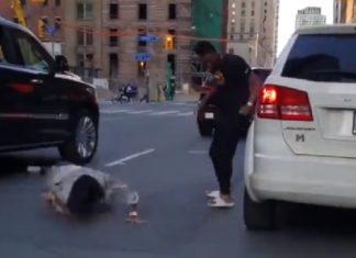 Mujer pelea con Uber